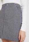 Hollister Co. - OXFORD SKIRT - Mini skirt - black/white