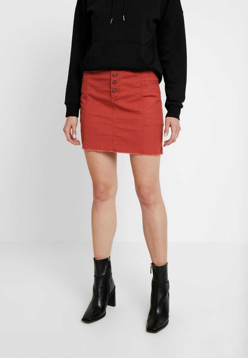 Hollister Co. - SKIRT - Mini skirt - cinnabar