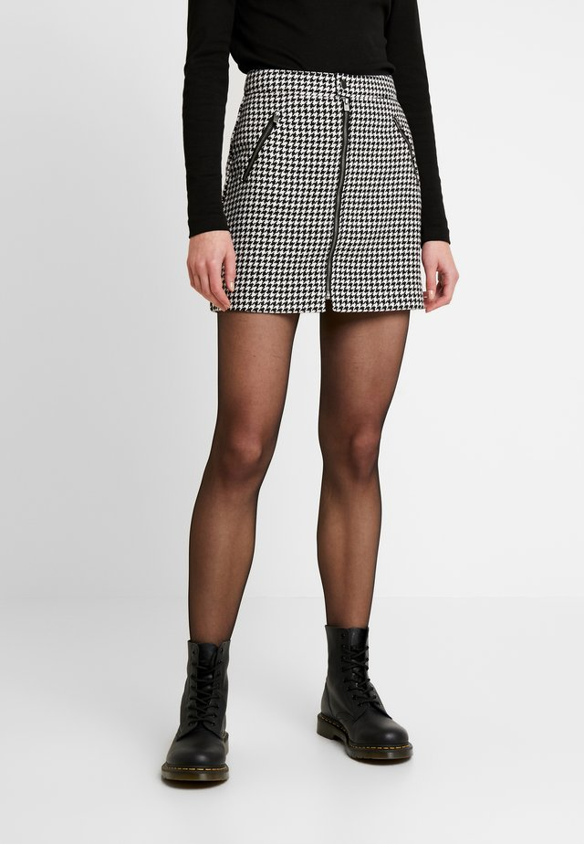 ZIP FRONT - Mini skirt - black/white