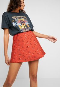 Hollister Co. - MINI SKIRT - Minifalda - cinnabar floral - 3