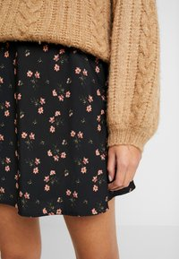 Hollister Co. - MINI SKIRT - Miniskjørt - black - 5
