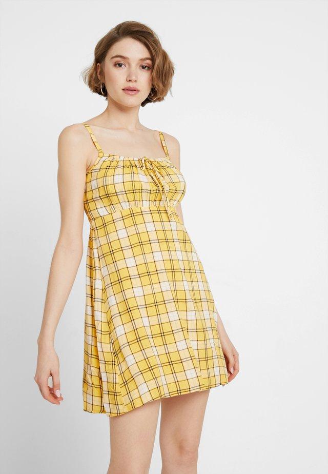 BABYDOLL DRESS - Vardagsklänning - yellow