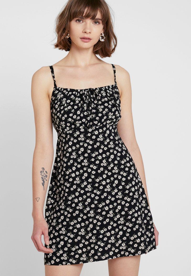 Hollister Co. - BABYDOLL DRESS - Freizeitkleid - black
