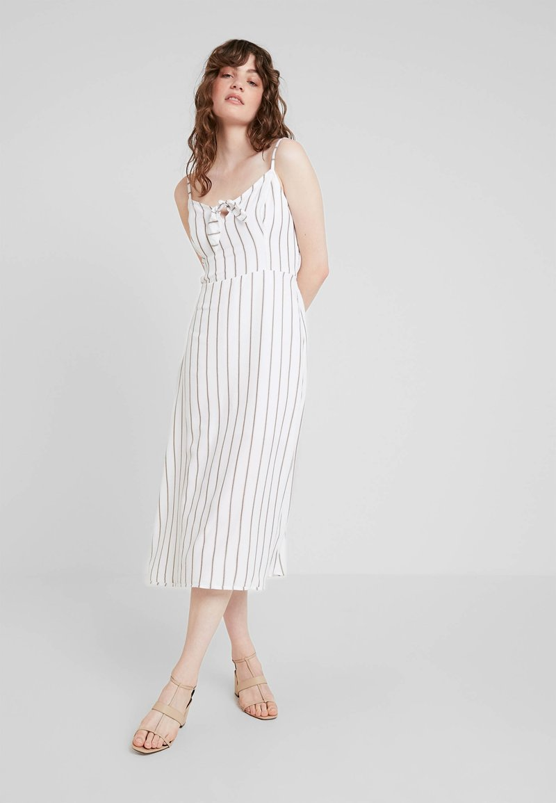 Hollister Co. - MIDI DRESS - Korte jurk - white