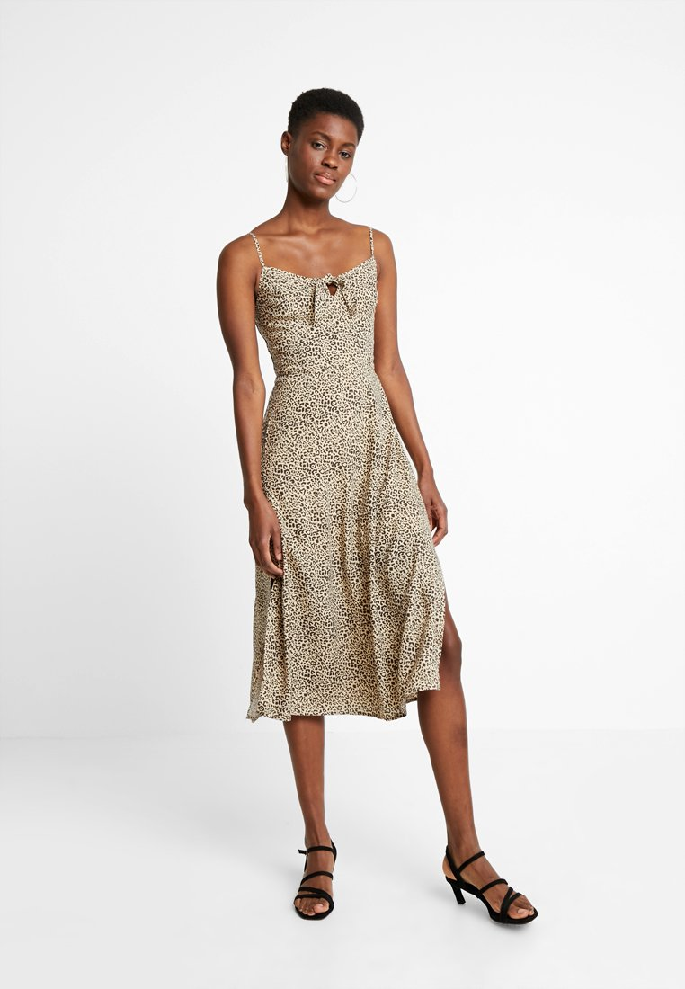 Hollister Co. - MIDI DRESS - Kjole - beige/black