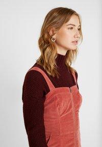 Hollister Co. - SHORT DRESS - Denní šaty - canyon rose - 4