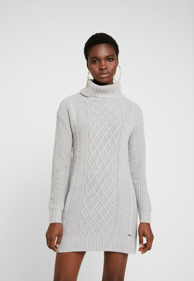 TURTLENECK DRESS - Gebreide jurk - grey