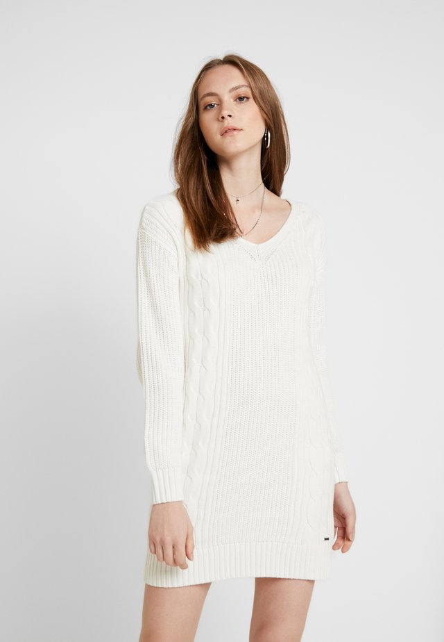 BACK DRESS - Gebreide jurk - white
