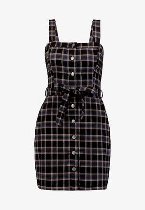 Pouzdrové šaty - black plaid