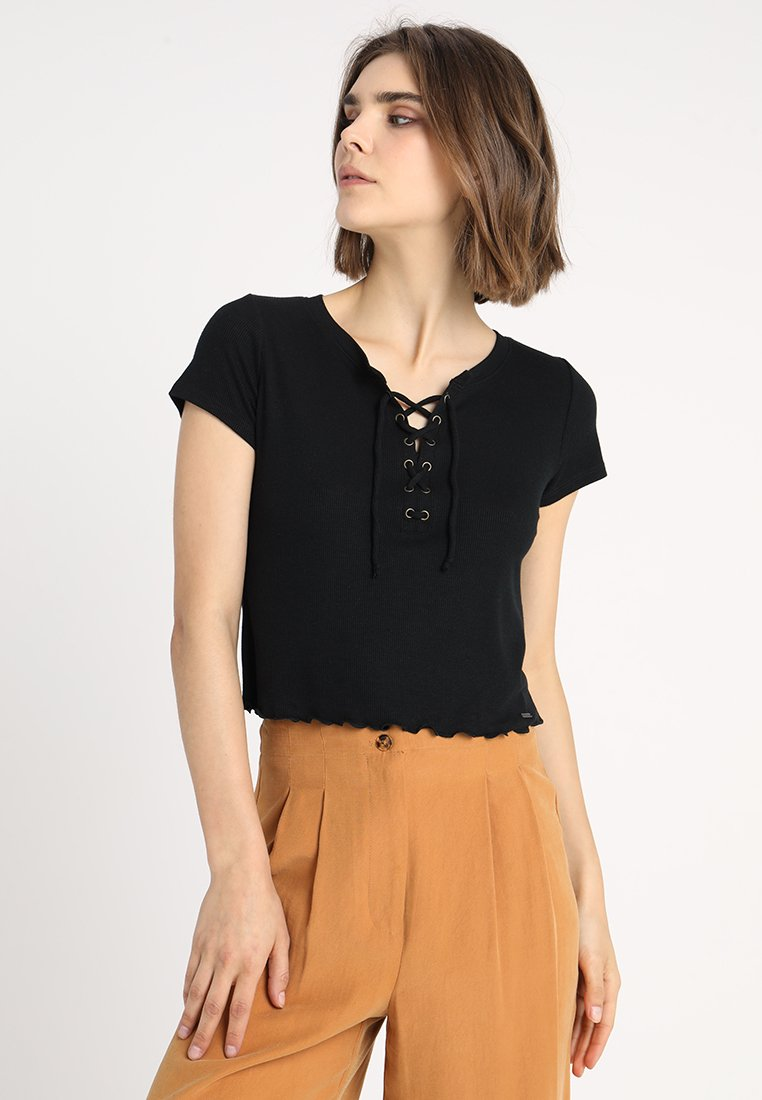 Hollister Co. - LETTUCE LACE UP BABY TEE - Printtipaita - black