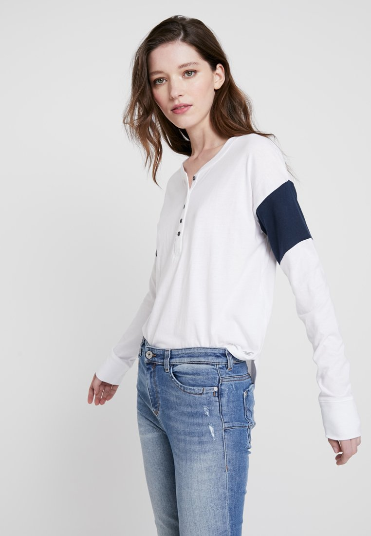 Hollister Co. - Camiseta de manga larga - white