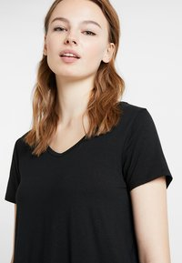 Hollister Co. - SHORT SLEEVE EASY TEE - T-shirt basic - black - 3