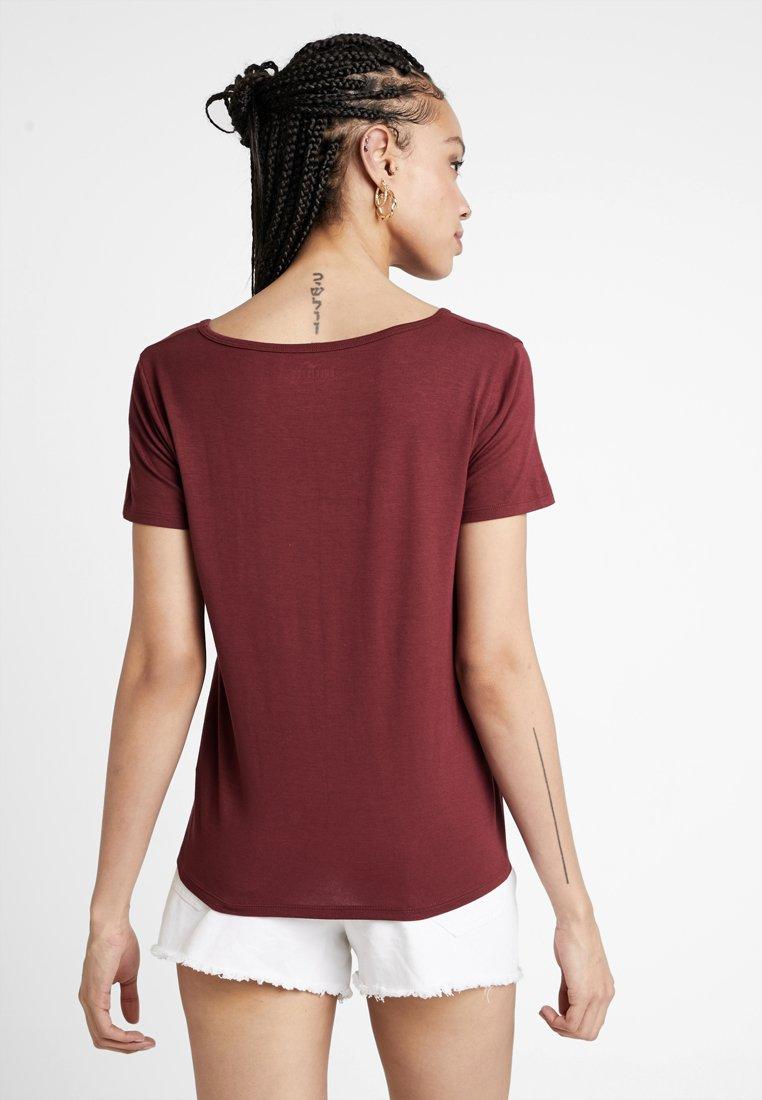 Burgundy CoShort Vee Sleeve Easy TeeT Hollister shirt Basique 8mn0vyNwO
