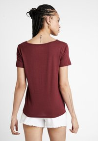Hollister Co. - SHORT SLEEVE EASY VEE TEE - T-shirt - bas - burgundy - 2