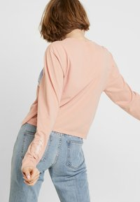 Hollister Co. - LONG SLEEVE IMAGERY  - Camiseta de manga larga - pink - 2