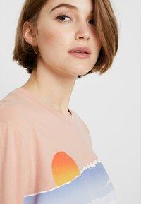 Hollister Co. - LONG SLEEVE IMAGERY  - Camiseta de manga larga - pink - 3