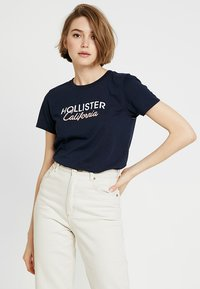 Hollister Co. - CORE PRINTED LOGO TEE - Print T-shirt - navy - 0