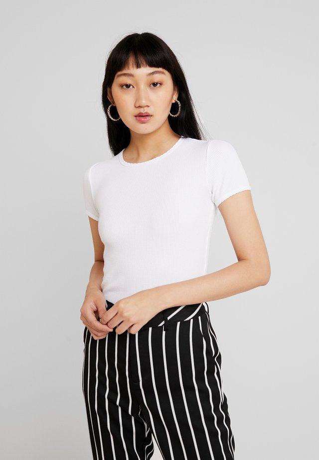 CROP WAFFLE BABY TEE - Basic T-shirt - white