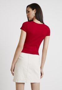 Hollister Co. - SQUARE NECK - Printtipaita - red - 2