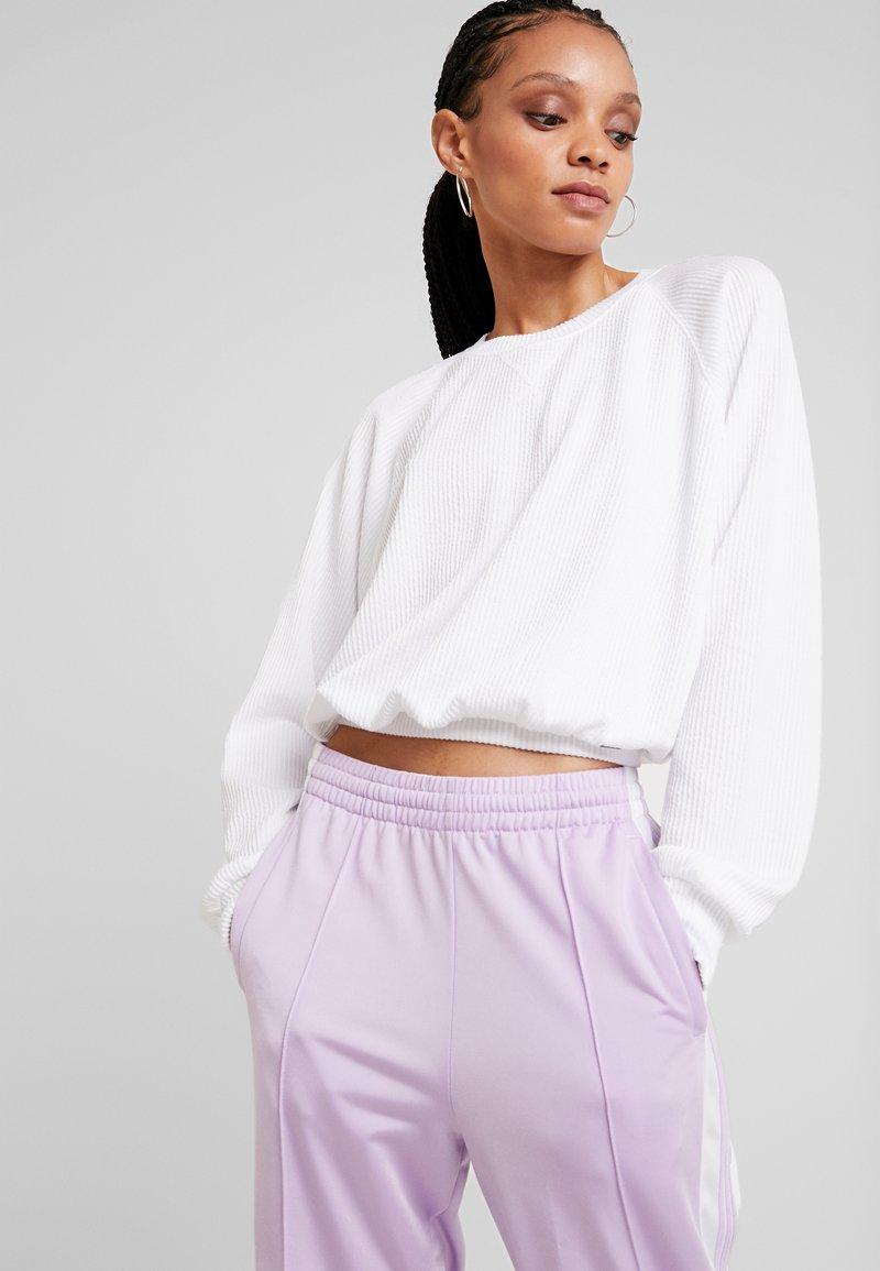 Hollister Co. - LONG SLEEVE BOYFRIEND  - Långärmad tröja - white
