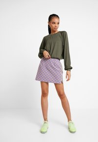 Hollister Co. - LONG SLEEVE BOYFRIEND  - Maglietta a manica lunga - olive - 1