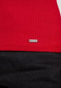 Hollister Co. - LONG SLEEVE SLIM WAFFLE CREW - Long sleeved top - red - 5