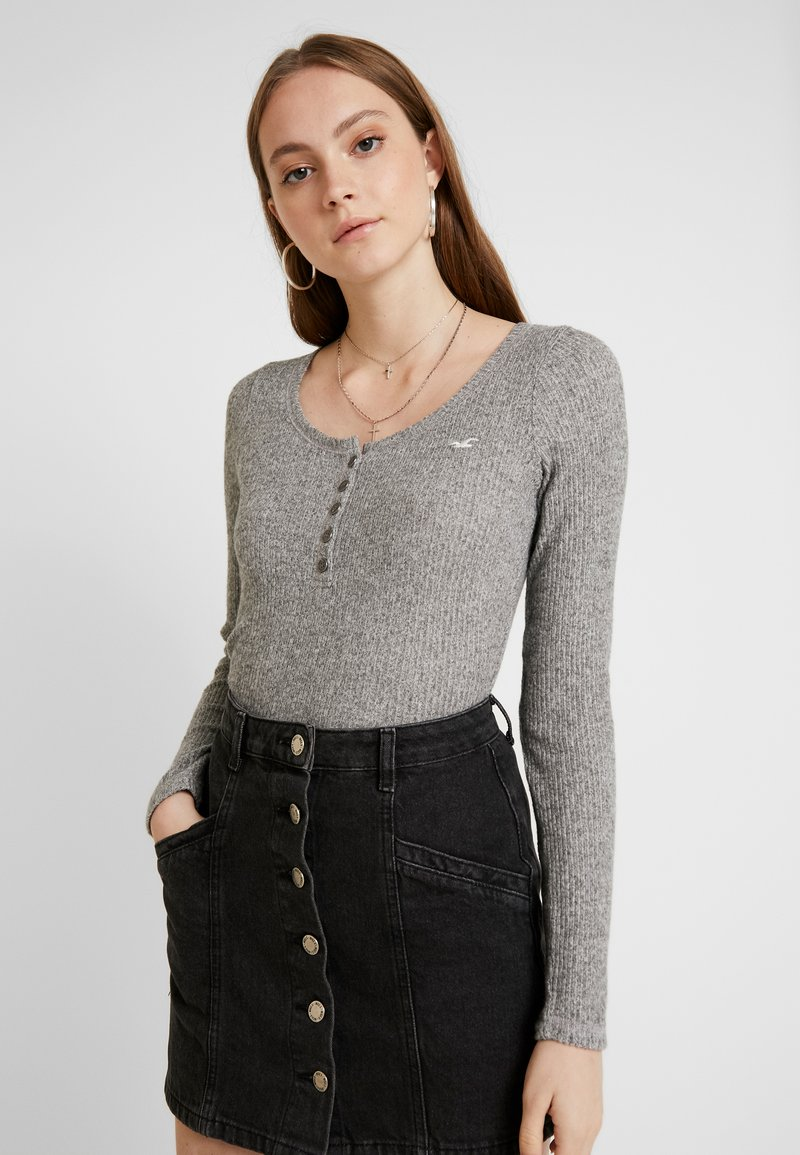 Hollister Co. - COZY HENLEY  - Sweter - grey