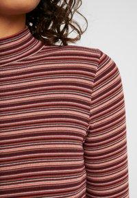 Hollister Co. - SLIM MOCK - T-shirt à manches longues - bordeaux/multi-coloured - 4