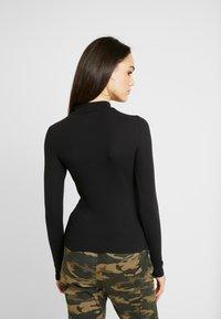 Hollister Co. - SLIM MOCK - T-shirt à manches longues - black - 2