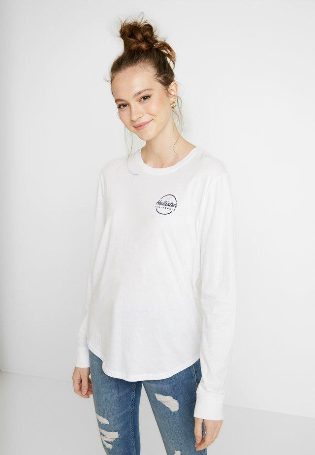 FLOCK CORE - Camiseta de manga larga - white