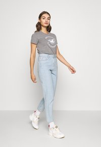 Hollister Co. - INCREMENTAL TECH CORE  - Print T-shirt - grey - 1