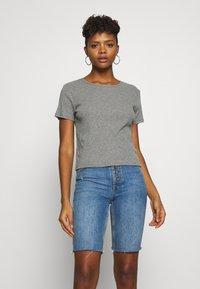 Hollister Co. - SLIM CREW BASIC 3 PACK - T-shirt - bas - white/grey/blue - 2