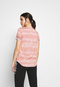 Hollister Co. - CORE  - Triko spotiskem - pink pattern - 2