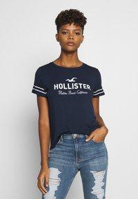 Hollister Co. - Camiseta estampada - navy - 0