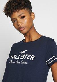 Hollister Co. - Camiseta estampada - navy - 3