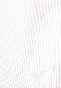 Hollister Co. - BARE V-NECK LETTUCE CAMI - Top - white - 2
