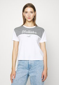 Hollister Co. - SPORTY - Print T-shirt - grey - 0