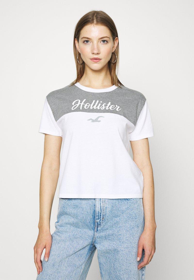 Hollister Co. - SPORTY - Print T-shirt - grey