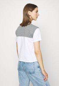 Hollister Co. - SPORTY - Print T-shirt - grey - 2
