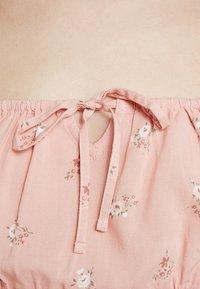 Hollister Co. - CHASE SMOCKED SCOOP NECK - Blůza - pink floral - 5