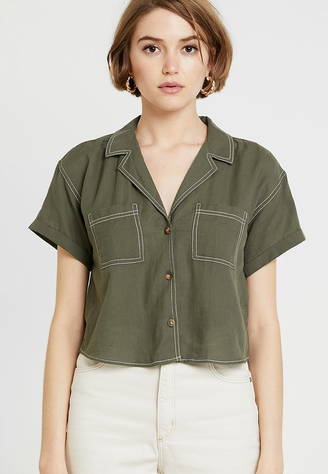 SHORT SLEEVE CAMP - Skjorta - olive