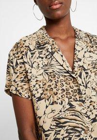 Hollister Co. - SHORT SLEEVE CAMP - Button-down blouse - tan - 4