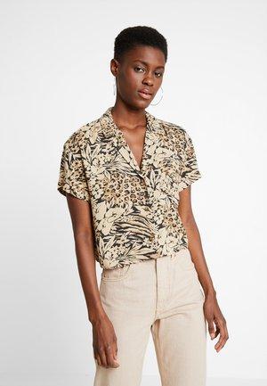 SHORT SLEEVE CAMP - Button-down blouse - tan