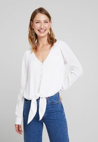 Hollister Co. - LONG SLEEVE BUTTON FRONT BLOUSE - Blusa - white - 0