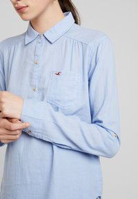 Hollister Co. - LONG SLEEVE POPOVER - Blouse - french blue - 4