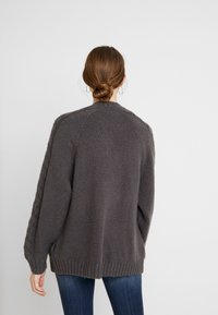 Hollister Co. - AIRY CARDIGAN CABLE - Vest - grey - 2