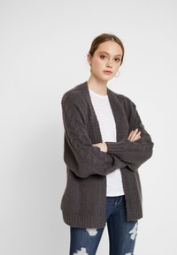 Hollister Co. - AIRY CARDIGAN CABLE - Cardigan - grey - 0