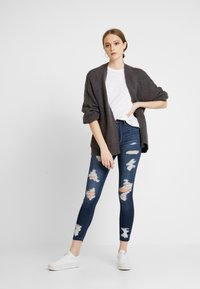 Hollister Co. - AIRY CARDIGAN CABLE - Cardigan - grey - 1