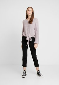Hollister Co. - MULTI WAY TIE FRONT SWEATER - Pullover - lilac - 1