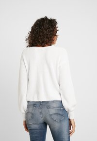 Hollister Co. - CINCH FRONT - Svetr - white - 2